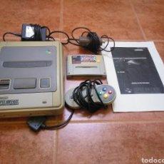Videojuegos y Consolas: CONSOLA SUPER NINTENDO ORIGINAL 1992 SUPER STREET FIGHTER 2 CON MANDO Y CABLES ORIGINALES.. Lote 176203450