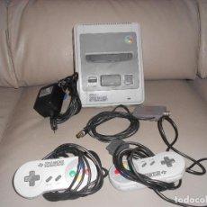 Videojuegos y Consolas: CONSOLA SUPER NINTENDO SNES 2 MANDOS COMPLETA FUNCIONANDO SIN CAJA AÑOS 90. Lote 183818655