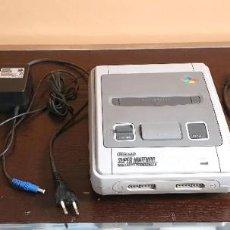 Videojuegos y Consolas: CONSOLA SUPER NINTENDO COMPLETA CON 2 MANDOS - FUNCIONA. Lote 195057288