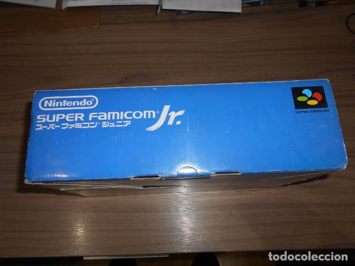 Videojuegos y Consolas: Consola SUPER FAMICOM JR Super NINTENDO Con su CAJA - PAD y adaptador de corriente para España - Foto 5 - 198941353
