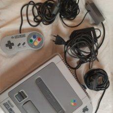 Videojuegos y Consolas: CONSOLA / SUPER NINTENDO SUPERNINTENDO SNES SNES 16 BITS PAL 1992 CON 2 MANDOS FUNCIONA. Lote 207080970