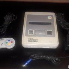 Videojuegos y Consolas: CONSOLA SUPER NINTENDO SUPERNINTENDO C0N MANDO Y ALIMENTADOR FUNCIONANDO. Lote 219465271