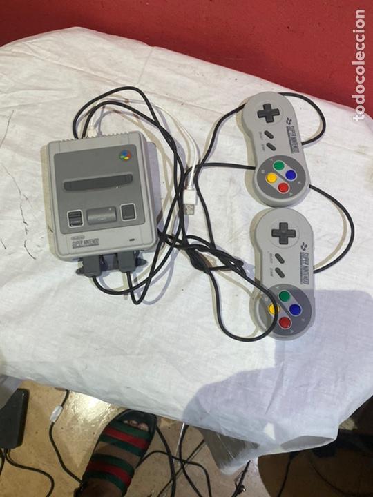 NINTENDO SNES MINI CLASSIC. RARA . VER FOTOS (Juguetes - Videojuegos y Consolas - Nintendo - SuperNintendo)