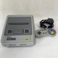 Videojuegos y Consolas: CONSOLA SUPER NINTENDO ENTERTAINMENT SYSTEM - SUPER NES - AÑO 1992 - FUNCIONA. Lote 287596578