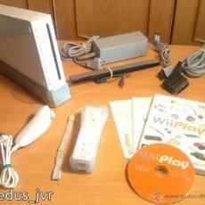 Videojuegos y Consolas: LOTE CONSOLA NINTENDO WII PAL COMPLETA + JUEGO WII PLAY TODO EN MUY BUEN ESTADO Y ORIGINAL. Lote 52010737