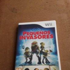 Videojuegos y Consolas: NINTENDO WII PEQUEÑOS INVASORES. Lote 105741419
