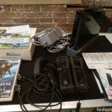 Videojuegos y Consolas: CONSOLA WII COMPLETA CON 2 JUEGOS METROOD Y WII SPORTS. FUNCIONA. Lote 138043554