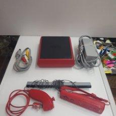 Videojuegos y Consolas: CONSOLA NINTENDO WII RVL-201 ROJA FUNCIONANDO. Lote 199643478