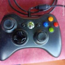 Videojuegos y Consolas: MANDO BLANCO XBOX 360 CON CABLE NEGRO. Lote 290060038