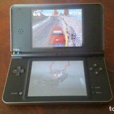 Videojuegos y Consolas Nintendo 2DS: CONSOLA NINTENDO DSI XL. NEGRA CHOCOLATE - FUNCIONANDO. Lote 142552926