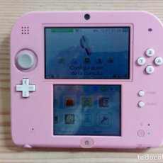 Videojuegos y Consolas Nintendo 2DS: CONSOLA NINTENDO 2DS ROSA + JUEGO TOMODACHI LIFE. Lote 220363358
