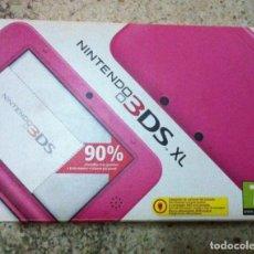 Videojuegos y Consolas Nintendo 3DS XL: CAJA VACIA DE CONSOLA CON INTERIORES NINTENDO 3DS XL ROSA DS KREATEN. Lote 101921383