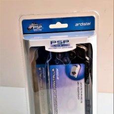 Videojuegos y Consolas PS Vita: DOS PROTECTORES DE PANTALLA RIGIDOS CONSOLA PSP, SLIM Y LITE NUEVOS EN BLISTER. Lote 236458395
