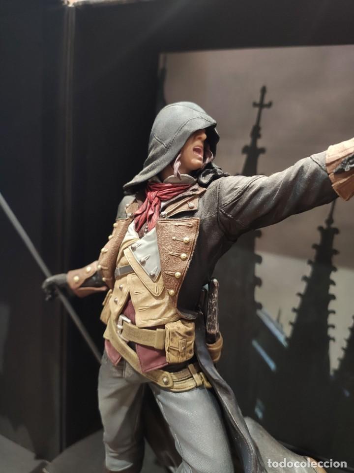 Videojuegos y Consolas PS4: Assassins Creed Unity - Figura con Caja - Muy buen estado (LEER DESCRIPCION) - Foto 10 - 222301268