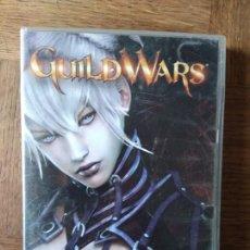 Videojuegos y Consolas: GUILD WARS - 2 CD ROM Y 2 LIBROS LOS MANUSCRITOS DE GUILD WARS - PAL ESPAÑA -. Lote 168147660