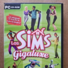 Videojuegos y Consolas: JUEGO PC LOS SIMS GIGALUXE (EA GAMES, 2004). INCLUYE 5 DISCOS. EN CASTELLANO.. Lote 196921046