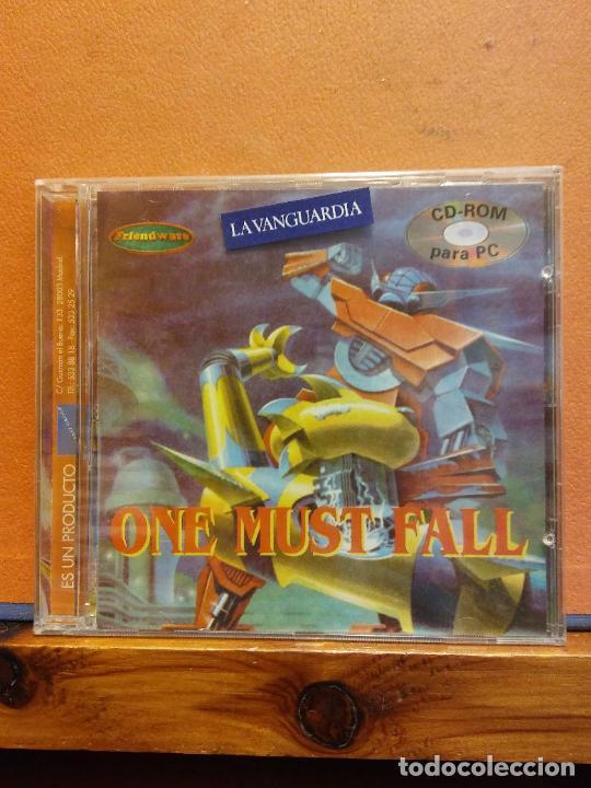 CD ROM. ONE MUST FALL. LA VANGUARDIA (Juguetes - Videojuegos y Consolas - PC)