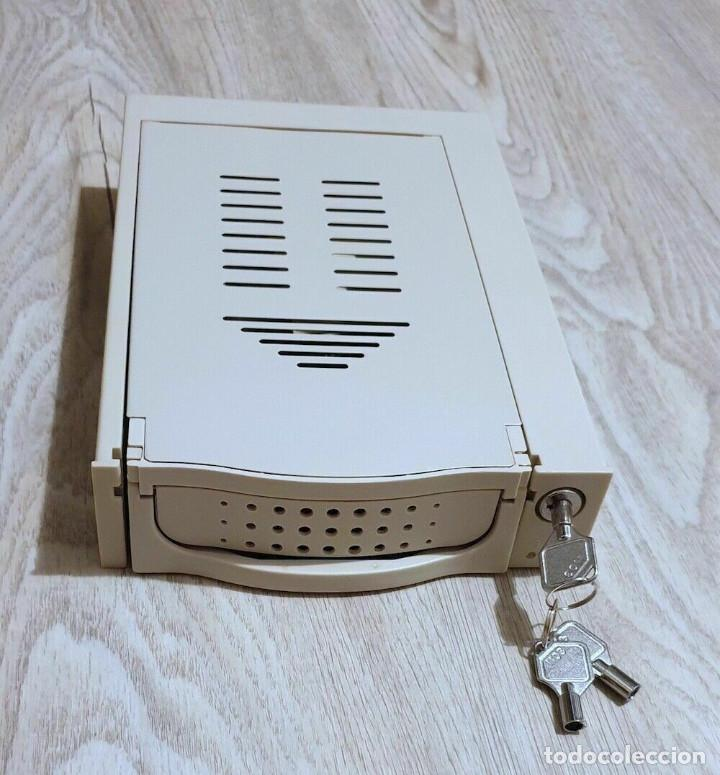 RACK EXTRAIBLE IDE PARA BAHÍA DE 5 1/4. COLOR BEIS/CREMA (Juguetes - Videojuegos y Consolas - PC)