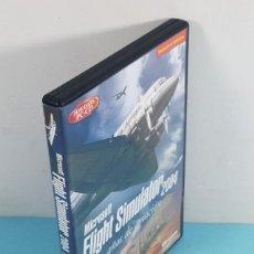 Videojuegos y Consolas: MICROSOFT FLIGHT SIMULATOR 2004 CIEN AÑOS DE AVIACION, CASTELLANO, CAJA + MANUAL + 4 CD'S. Lote 293726633