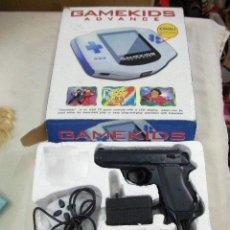 Videojuegos y Consolas: CONSOLA GAMEKIDS EN SU CAJA CON MANDO Y PISTOLA. Lote 29452159