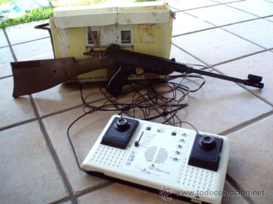 ANTIGUA VIDEO CONSOLA TEMCO T-106C TV COLOUR GAME + GUN 1977 (Juguetes - Videojuegos y Consolas - Otros descatalogados)