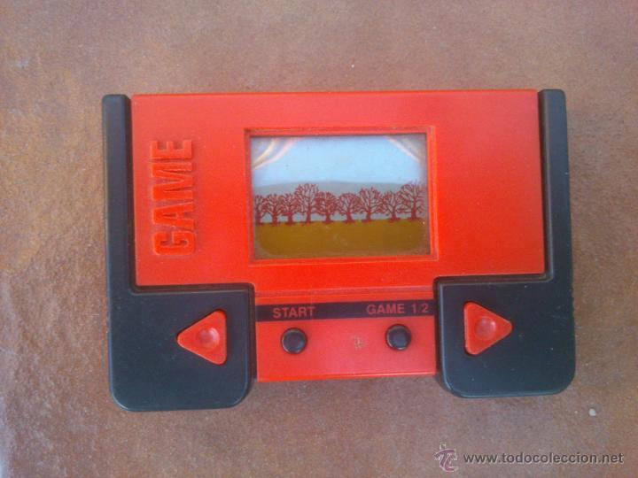 MAQUINITA TIPO GAME&WATCH EN ROJO. FUNCIONA. (Juguetes - Videojuegos y Consolas - Otros descatalogados)