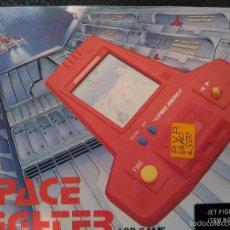 Videojuegos y Consolas: MAQUINITA SPACE FIGHTER (JET FIGHTER) NUEVA A ESTRENAR CAJA LCD NO GAME WATCH . Lote 56813230