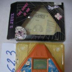 Videojuegos y Consolas: ANTIGUA CONSOLA EN SU CAJA NUEVA SIN USAR DOS JUEGOS. Lote 57035619