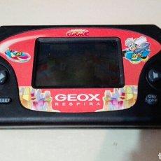 Videojuegos y Consolas: CONSOLA GEOX, JUEGO DE COCHES FUNCIONA. Lote 61710446