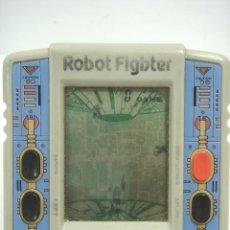 Videojuegos y Consolas: VIDEO-JUEGO CONSOLA PORTATIL - ROBOT FIGHTER ¡¡¡FUNCIONANDO¡¡ - MAQUINITA LCD. Lote 72441895
