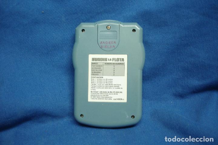 Videojuegos y Consolas: HUNDIR LA FLOTA - MB HASBRO 1998 - JUEGO ELECTRÓNICO DE VIAJE - FUNCIONA - Foto 3 - 85041680