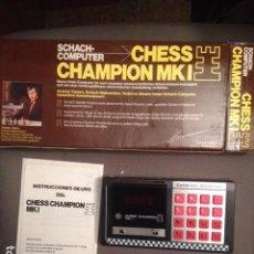 Videojuegos y Consolas: JUEGO DE AJEDREZ CHESS CHAMPION MKI FINALES AÑOS 70, KARPOV, COMPLETO CON CAJA Y FUNCIONANDO. Lote 86106928