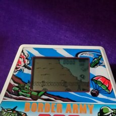Videojuegos y Consolas: MAQUINITA TIPO GAME WATCH CASIO BORDER ARMY. Lote 99704447
