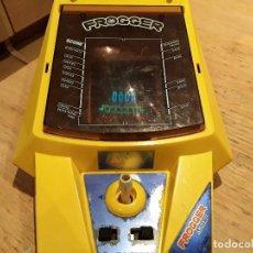 Videojuegos y Consolas: CONSOLA VINTAGE FROGGER AÑOS 80, FUNCIONANDO JAPAN. Lote 109500623