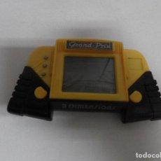 Videojuegos y Consolas: MAQUINITA CONSOLA GRAND PRIX , PEQUEÑA PANTALLA LCD , FUNCIONANDO , AÑOS 90 -- 3 DIMENSIONS . Lote 112828311