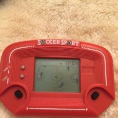 Videojuegos y Consolas: MAQUINITA GAME AND WATCH SOCCER SPORT. Lote 114494478