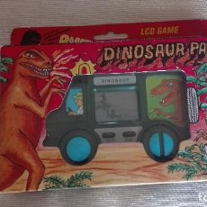 Videojuegos y Consolas: MAQUINITA LCD GAME DINOSAUR PARK EPOCA GAME WATCH GAMEBOY AÑOS 80 FUNCIONA. Lote 117180563