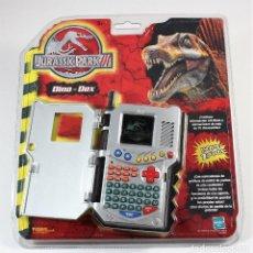 Videojuegos y Consolas: JURASSIC PARK III DINO DEX HASBRO MAQUINITA VIDEOJUEGO BLISTER A ESTRENAR. Lote 124002619