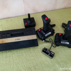 Videojuegos y Consolas: CONSOLA TV GAME COMPATIBLE ATARI 2600 128 BUILT IN NEW CON TRES MANDOS. Lote 118699079