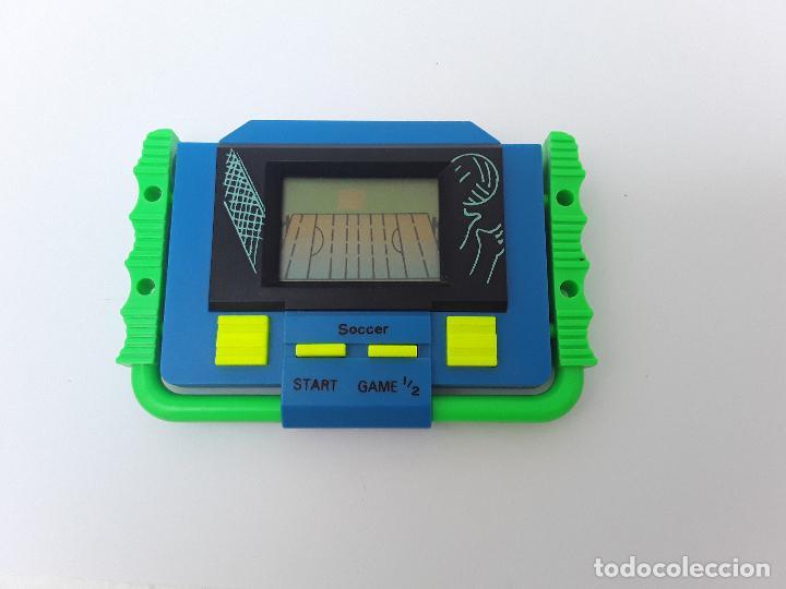 Videojuegos y Consolas: SOCCER - VINTAGE -PEQUEÑA CONSOLA DE MANO-AÑOS 80- VÍDEO JUEGO -FUTBOL AMERICANO-FUNCIONANDO - Foto 5 - 124631207
