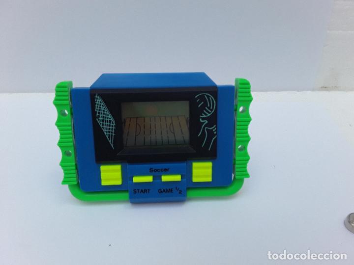 Videojuegos y Consolas: SOCCER - VINTAGE -PEQUEÑA CONSOLA DE MANO-AÑOS 80- VÍDEO JUEGO -FUTBOL AMERICANO-FUNCIONANDO - Foto 6 - 124631207