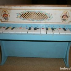 Videojuegos y Consolas: ANTIGUO PIANO INFANTIL DE 12 TECLAS DIFICIL. Lote 133025642