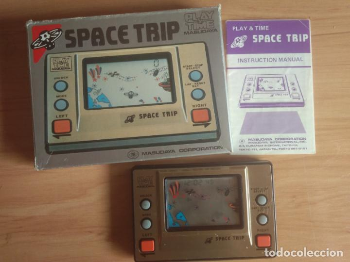 Videojuegos y Consolas: Space Trip. Play & Time. Maquinita consola LCD funcionando. Masudaya made in Japan - Foto 1 - 133625338