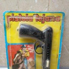 Videojuegos y Consolas: PISTOLA TEJANA DE PLASTICO LANZA CORCHOS * NUEVA * AÑOS 70 DE LA CASA SHAMBERS EN BLISTER ORIGINAL.. Lote 134083882