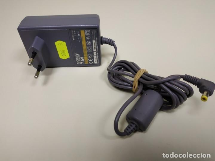1118- SONY AC ADAPTOR SPCH 114 220 V DC 7.5 V SONY COMPUTER (Juguetes - Videojuegos y Consolas - Otros descatalogados)