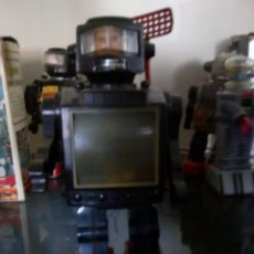 Videojuegos y Consolas: ROBOT EXPLORER MADE IN HONG KONG ESTRUCTURA BIEN PERO A REPARA-28 CM /CON RADAR. Lote 143219938