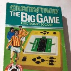 Videojuegos y Consolas: MAQUINITA DE 1981 TABLETOP EPOCH THE BIG GAME GRANDSTAND ELECTRONIC SOCCER TIPO GAME & WATCH. Lote 145620474