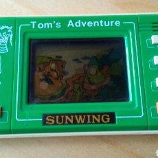 Videojuegos y Consolas: MAQUINITA TOM'S ADVENTURE SUNWING. Lote 156203677