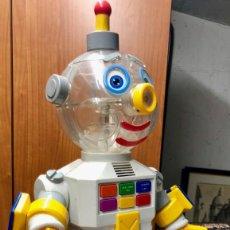 Videojuegos y Consolas: NONO EL ROBOT. TOY BIZ 1991 DIFERENTES FUNCIONES. CON INSTRUCCIONES. ESCASO Y DIFICIL.. Lote 150828574