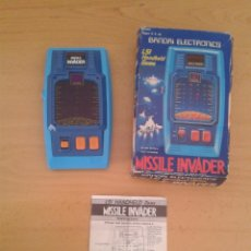 Videojuegos y Consolas: BANDAI ELECTRONICS GAME&WATCH LSI MISSILE INVADER COMPLETO CIB BOXED WORKING R8937. Lote 159504250